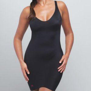 Ruby Ribbon V Neck Slip in Black Size Medium